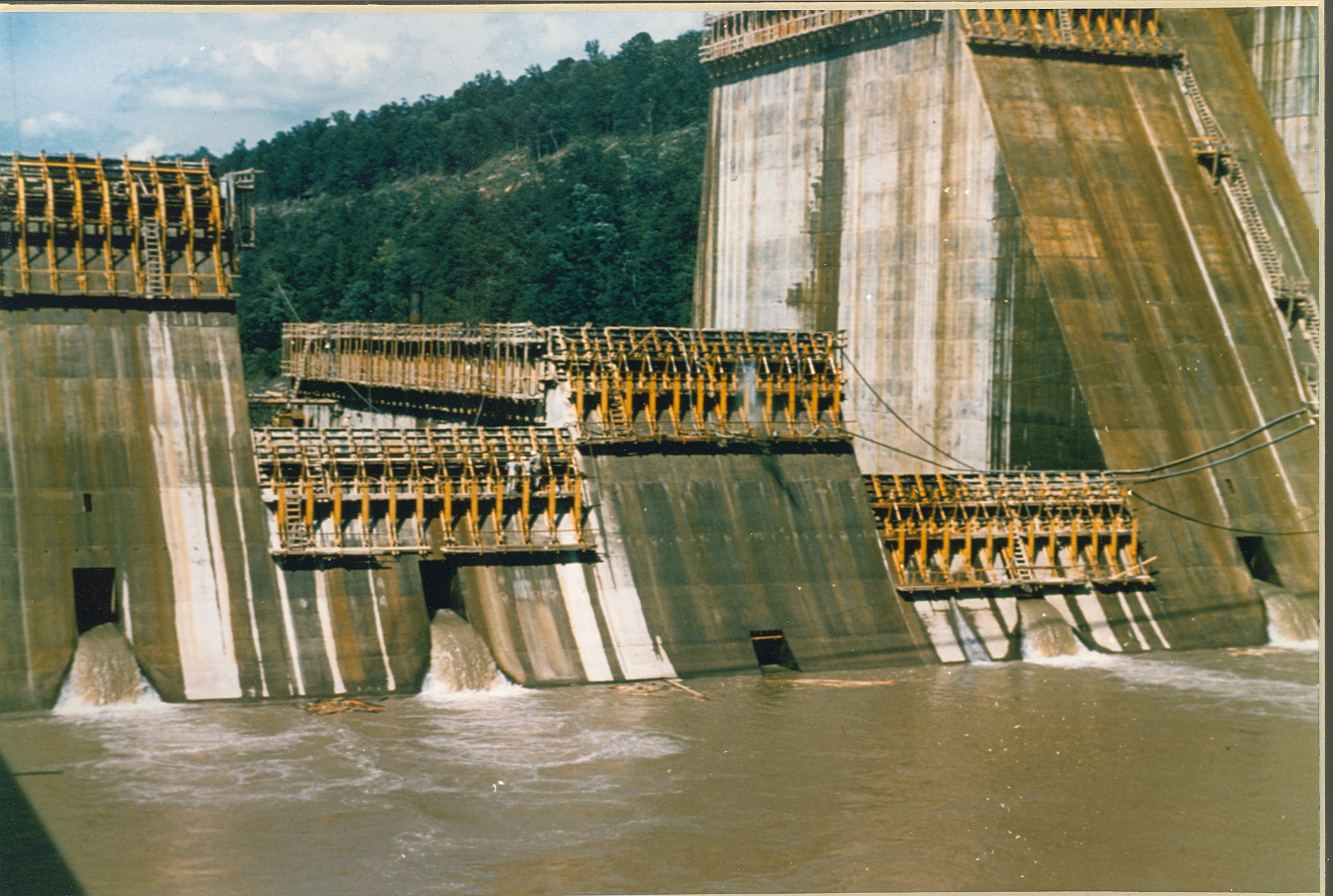 dam construction I foreword guidelines for construction cost estimating for dam engineers and owners was prepared by the ussd committee on construction and rehabilitation.